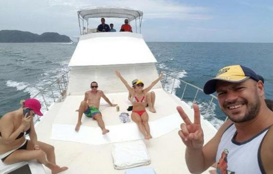 Boat-party-in-Jaco-Costa-Rica-12