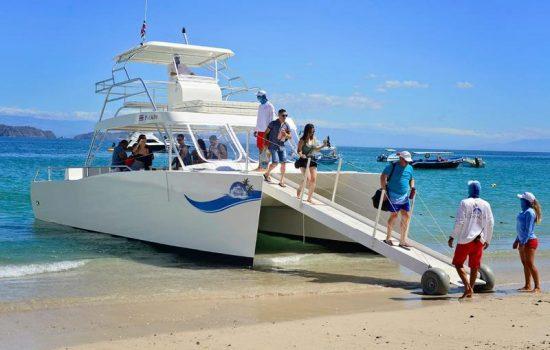 Costa-Rica-Party-Boat-Catamaran-Jaco-Beach-Los-Suenos-4