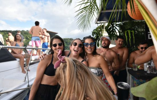 Party-Boat-in-Jaco-Costa-Rica