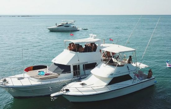 Party-Boats-Jaco-Costa-Rica