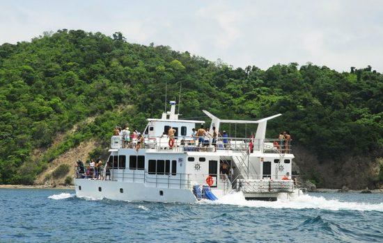 Tortuga-Island-Tour-Costa-Rica-02