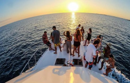 Yacht-Boat-Party-Jaco-Costa-Rica